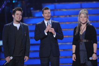 AMERICAN IDOL: Final Two: L-R: Lee DeWyze, Ryan Seacrest and Crystal Bowersox on AMERICAN IDOL airing, Tuesday, May 25 (8:00-9:00 PM ET/PT) on FOX. CR: Michael Becker / FOX